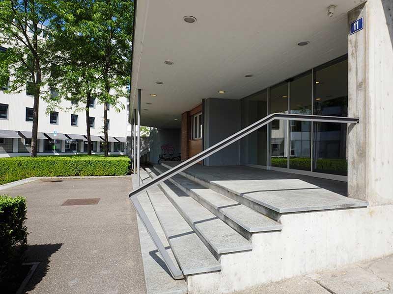 02-Fotokurse-Winterthur-Standort-Eingang-UV11