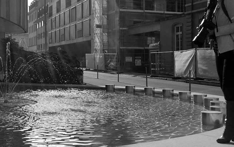 Fotoworkshop in Basel am Brunnen schwarzweiss