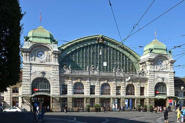 Fotoworkshop in Basel - Bahnhof-SBB Fassade