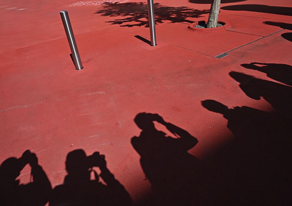 Schatten - Fotokurs-Teilnehmer Raiffeisen Platz von Arthur Vogt
