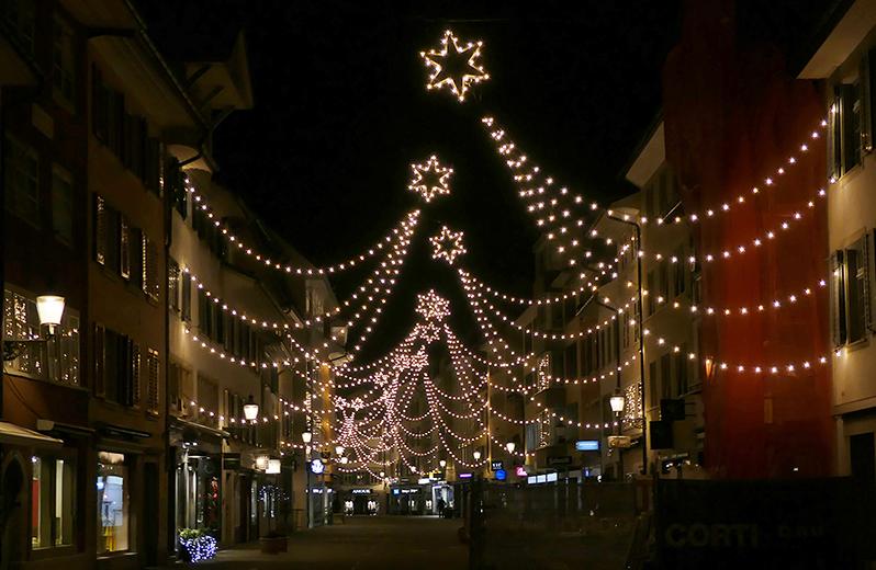 Sternenspalier-in-der-Altstadt-Winterthur